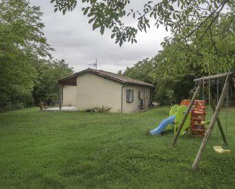 Jolie villa plain pied sur 1600 m2 arborés constructibles