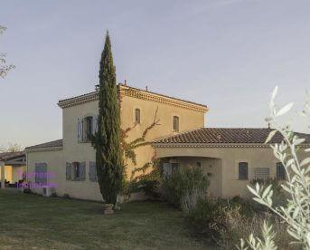 Magnifique villa 4 ch avec piscine sur 4879 m2